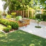 Schubert & Partner Gartengestaltung | Hochbeet mit Betonsteinmauer